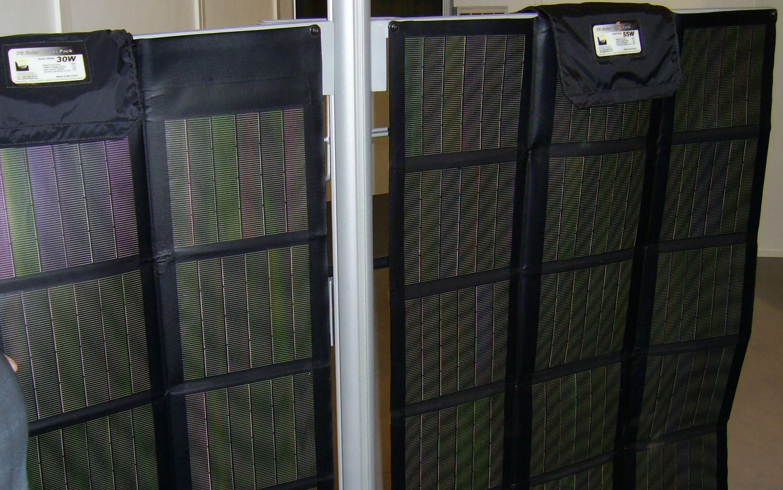 tragbare photovoltaik faltbar solarladeger t. Black Bedroom Furniture Sets. Home Design Ideas