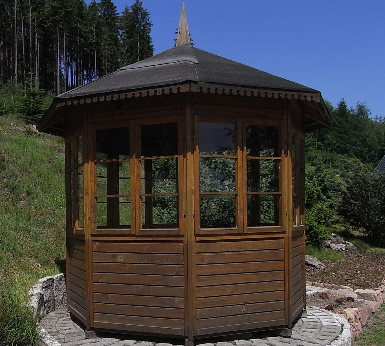 Gartenpavillon Holz Selbstbau ~ Pavillon aus Holz 8 EckIn einem Botanischen Garten steht ein 8 Eck