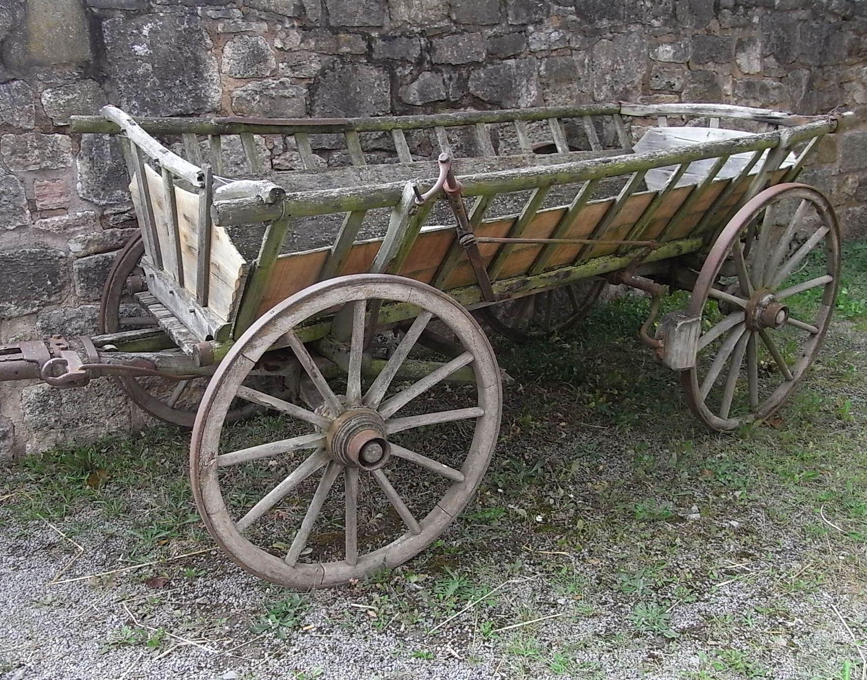 Leiterwagen als MuseumsstückDer Leiterwagen ist schon lange ...