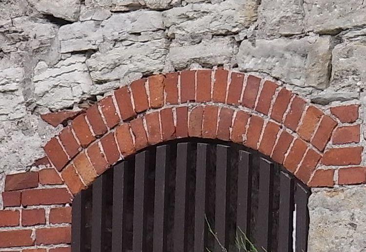 Gew lbebogen aus ziegelstein - Weinregal stein selber bauen ...