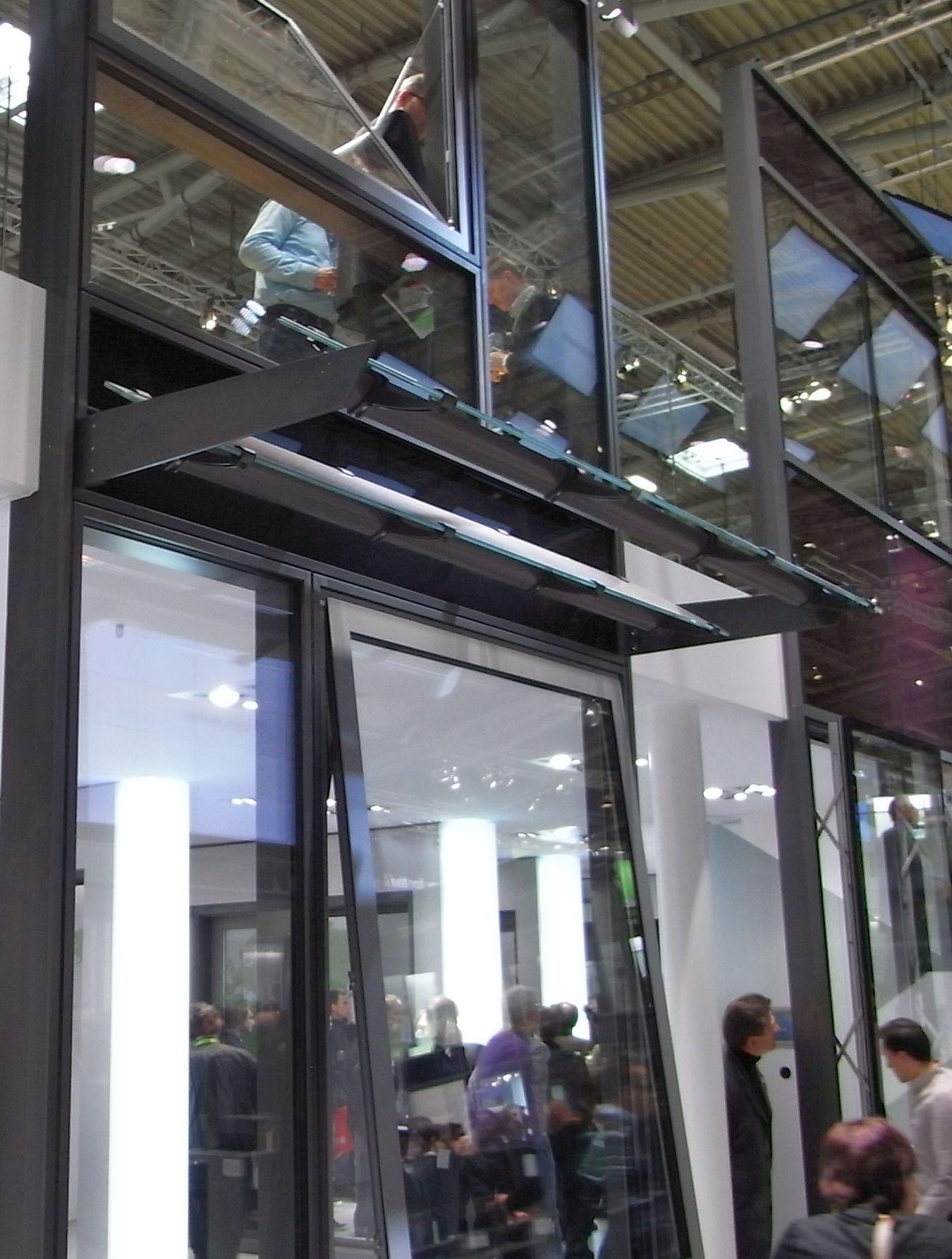 glas photovoltaik fassade. Black Bedroom Furniture Sets. Home Design Ideas